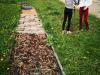 Pomladna opravila na šolskem vrtu in čutni poti